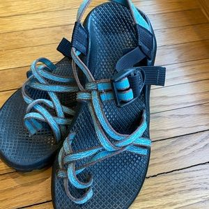 Chaco's sandals 6 turquoise and taupe
